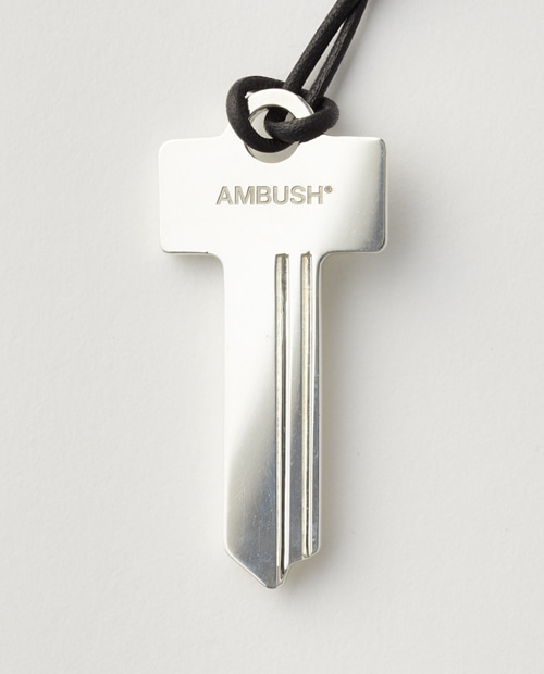 AMBUS KEY NECKLACE