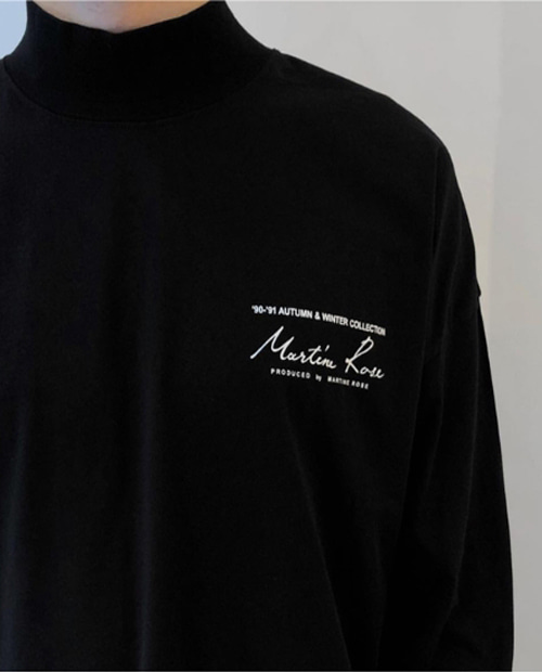 MR BACK LOGO TURTLE NECK