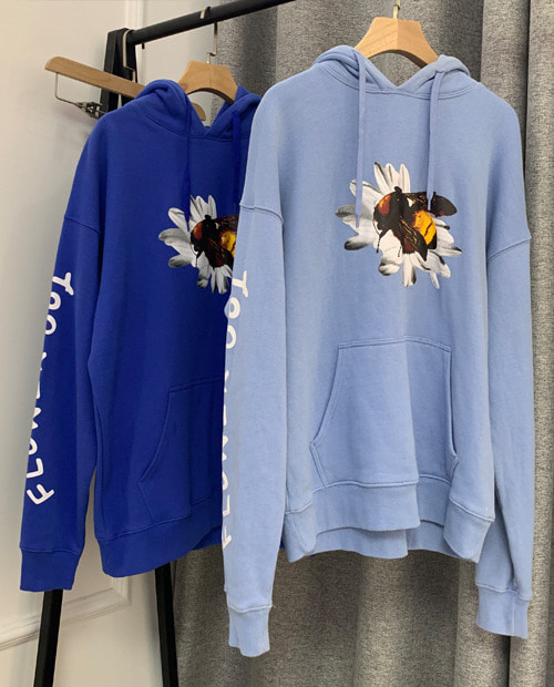 G.W FLOWER ON BEE HOODIE